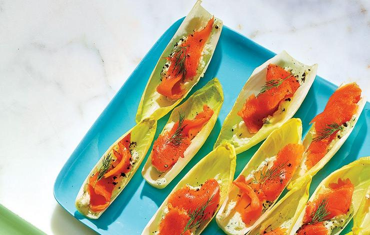 Endive boats with goat cheese and smoked salmon