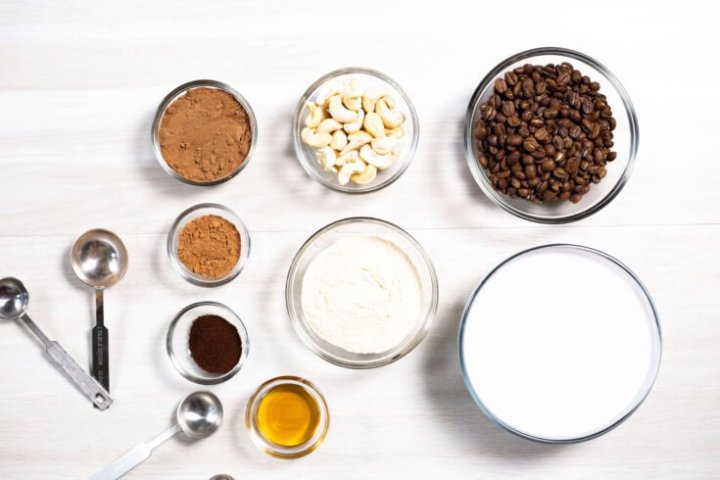Bone broth protein mocha fudge smoothie ingredients - Dr. Axe